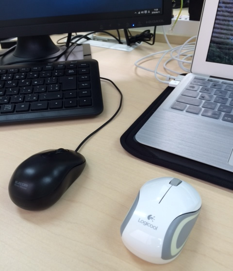 マウスが2個ある机の状態