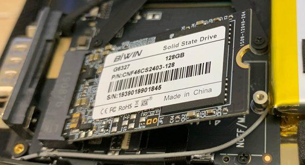 GPD MicroPCのSSDを換装する02
